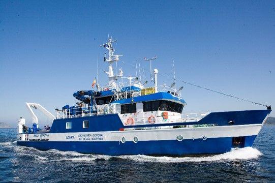 oceanographic research vessel - emma bardan-1