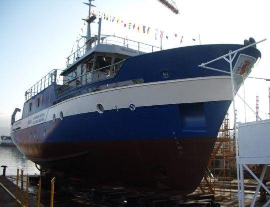 oceanographic research vessel - emma bardan-2